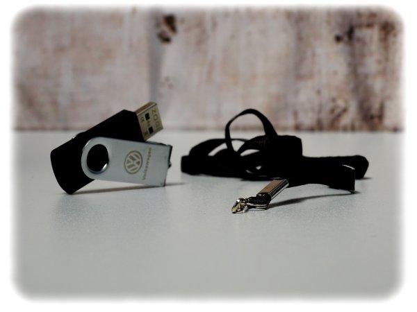 Original Volkswagen USB-Stick [4GB] mit USB-2.0 - Zubehör - 000087620A