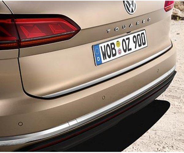 Original VW Touareg Schutzleiste für die Heckklappe (Chromoptik) - 760071360